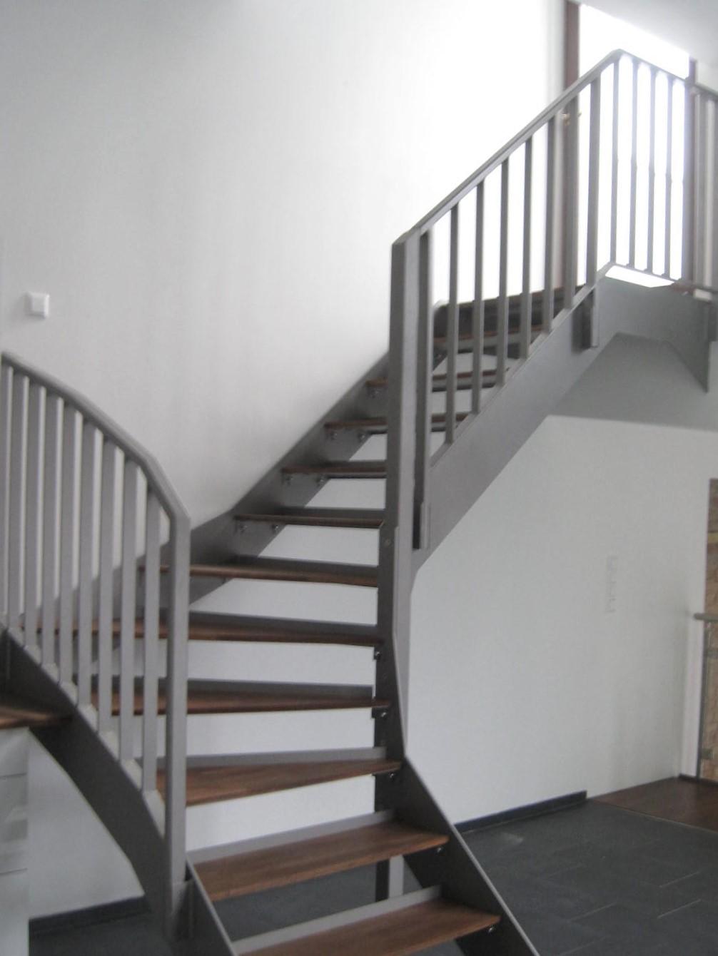 treppen gel nder metallbau klohnen ihr metallbauunternehmen in berlin. Black Bedroom Furniture Sets. Home Design Ideas