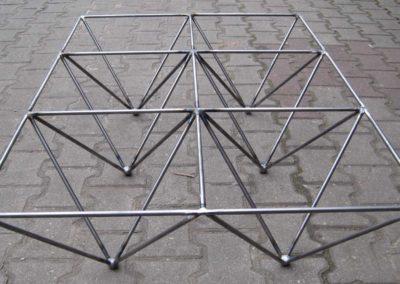 Design Couchtischgestell aus rohem Rundstahl